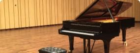新品ピアノ
