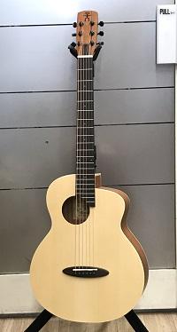 aNueNue aNN-M1 (小さめのギター)イメージ01